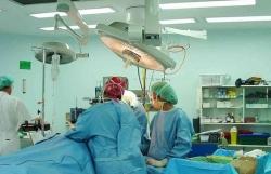Bác sĩ phẫu thuật não nhầm bệnh nhân