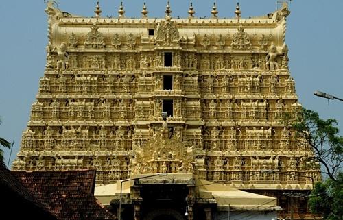 Huyền bí ngôi đền linh thiêng, nơi dát 680 kg vàng, chứa kho báu nghìn tỷ USD
