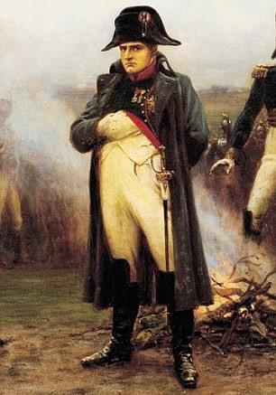 napoleon bi ma am khi qua dem trong kim tu thap ai cap