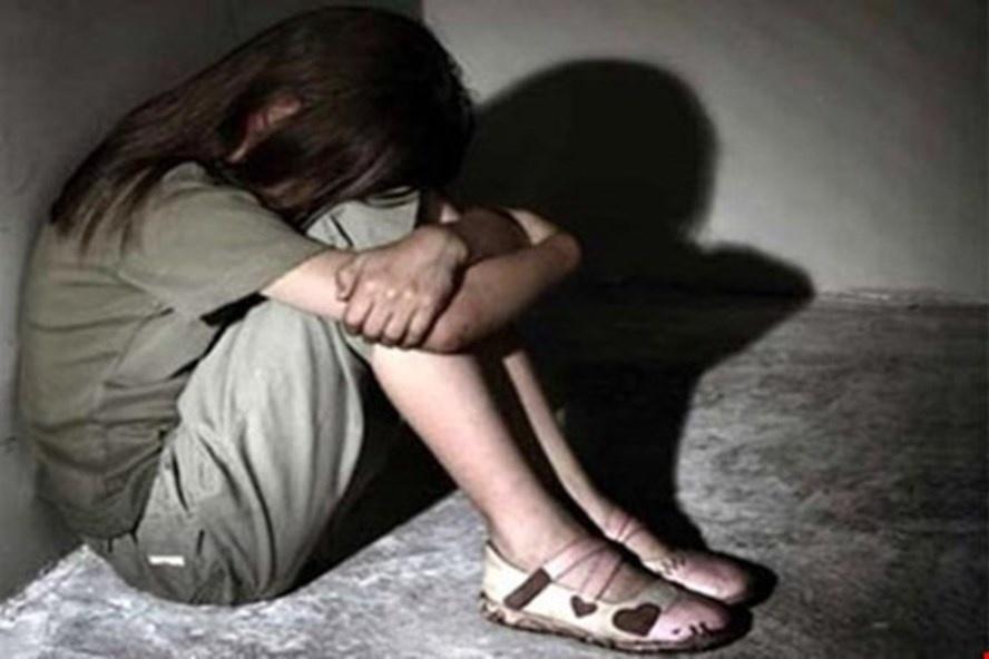 Nóng: Nghi vấn cha đẻ cưỡng dâm con gái suốt 4 năm