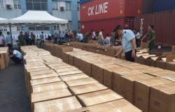 Hải quan Hải Phòng phát hiện hai tấn lá Khát cực độc nhập lậu vào Việt Nam