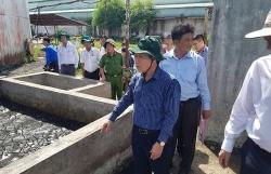 Xả thải đen kịt, hôi thối trực tiếp ra sông, công ty mía đường ở Hậu Giang phải ngừng sản xuất