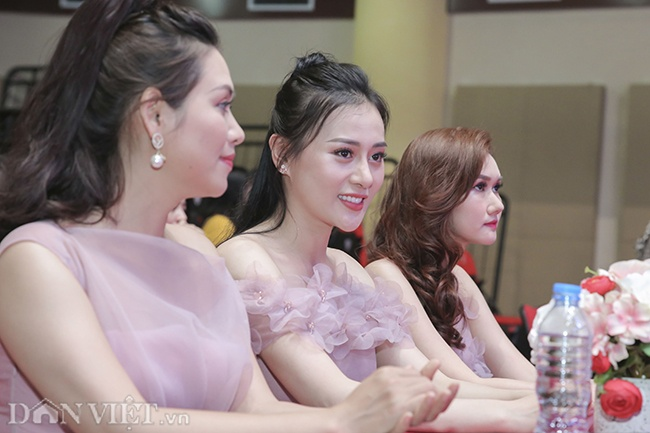 anh quynh bup be xuat hien rang ro ben chi nguyet thao mai