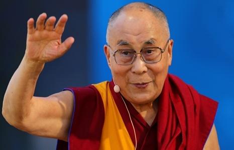 tac gia an do noi tap can binh tung dong y gap dalai lama