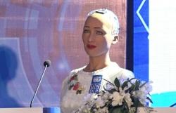 robot cong dan dau tien noi gi ve 40 o viet nam