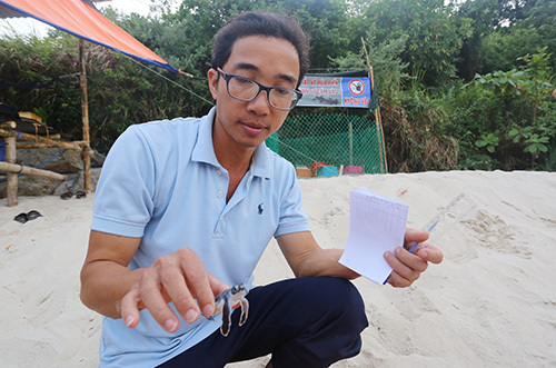 hanh trinh 3 nam cu lao cham xin 2000 trung rua bien tu con dao