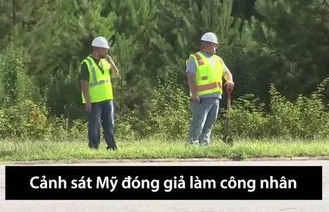 canh sat my dong gia cong nhan de phat hien tai xe dung dien thoai