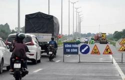 4,5 km đường dẫn cầu Vàm Cống bị hư hỏng