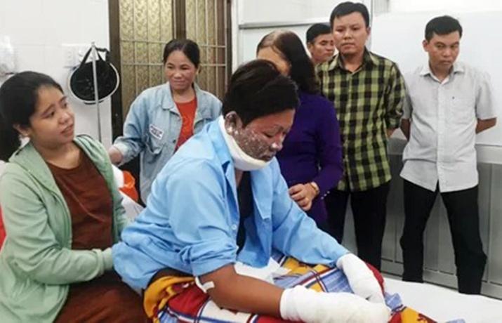 Cán bộ bị tấn công bằng xăng: 'Dặn anh em đề phòng nhưng không kịp'