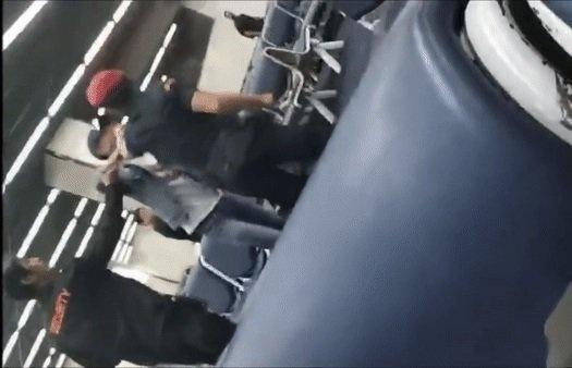 Nhân viên sân bay Thái Lan bị sa thải sau khi đánh du khách Trung Quốc