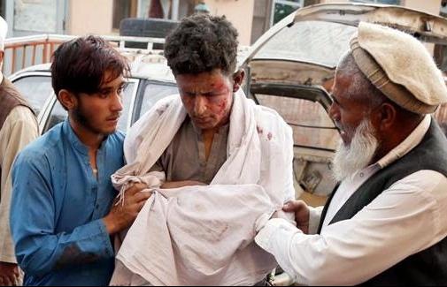 afghanistan danh bom trong gio cau nguyen hon 100 nguoi thuong vong