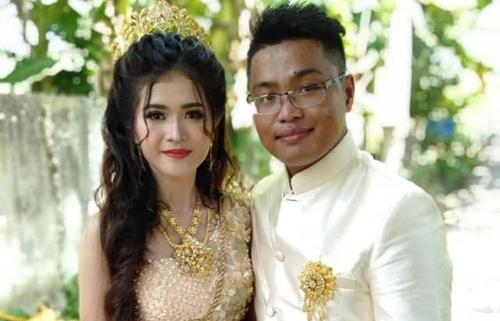 Đám cưới của cô dâu xinh đẹp và chú rể ở Sóc Trăng gây xôn xao mạng TQ