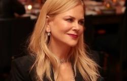 """""""Thiên nga"""" Nicole Kidman đẹp mặn mà với vest thanh lịch tại sự kiện"""