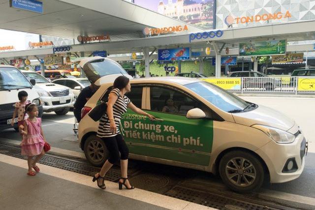Câu chuyện tranh cãi quanh việc quản lý xe taxi công nghệ trong nghị định thay thế nghị định 86 đã chấm dứt. Ảnh minh hoạ