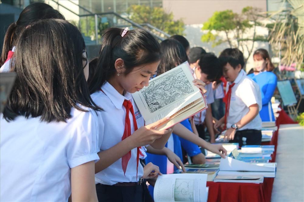 Hàng trăm tư liệu quý giá từ khắp thế giới về Hoàng Sa sẽ được lưu trữ tại  Thư viện Hoàng Sa, Đà Nẵng.