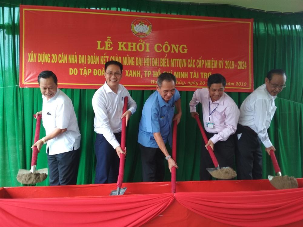 Lễ khởi công xây dựng nhà đại đoàn kết của Tập đoàn Đất Xanh tại Hậu Giang