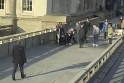Người hùng chặn kẻ đâm dao trên cầu London là sát nhân vừa được thả