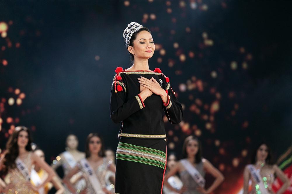 hhen nie di chan dat len san khau chung ket hoa hau hoan vu viet nam 2019