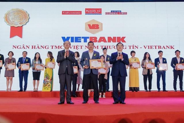 """Vietbank được bình chọn là """"ngân hàng uy tín"""""""