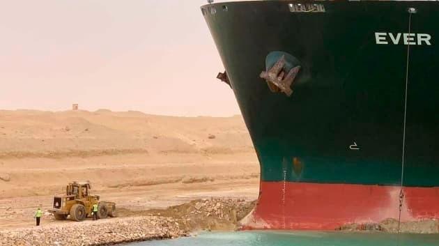 Ai Cập yêu cầu chủ tàu Ever Given đền 900 triệu USD