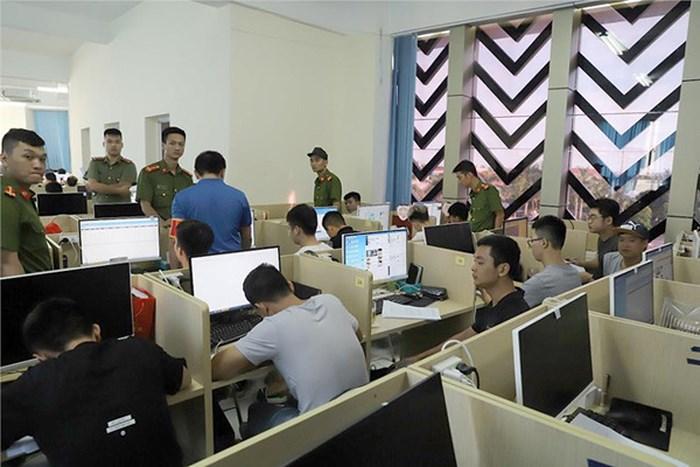 thu doan tinh vi cua nhom nguoi trung quoc van hanh website co bac khung