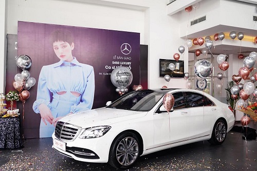 can canh chiec mercedes benz hon 5 ty dong hien ho moi tau o tuoi 23