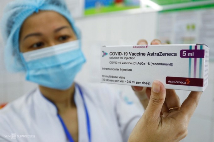"""Nhà sản xuất vaccine Covid-19 """"chỉ cung ứng qua Chính phủ"""""""