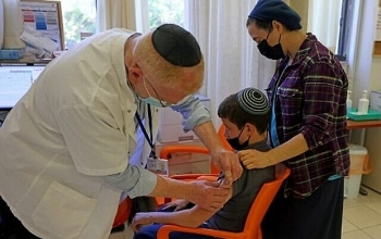 Trẻ em từ 5-11 tuổi ở Israel sẽ được tiêm vaccine ngừa covid-19