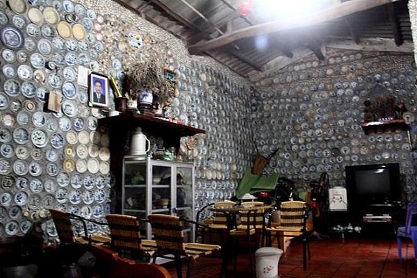 Dành 25 năm trang trí nhà với gần 10.000 bát đĩa cổ, người đàn ông Việt Nam lên báo nước ngoài - Ảnh 3
