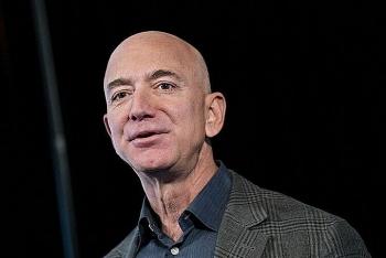Jeff Bezos thành người đầu tiên có 200 tỷ USD