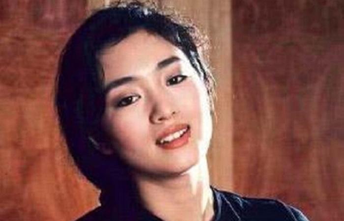 """Vì sao Củng Lợi được gọi là """"người phụ nữ đẹp nhất phương Đông""""?"""