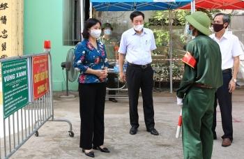Thường trực Thành ủy Hà Nội: Nguy cơ lây lan dịch bệnh vẫn ở mức cao và khó lường