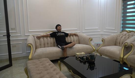 Choáng ngợp với cơ ngơi 'khủng' và gia tài đồ sộ của dàn Youtuber Việt  - Ảnh 8