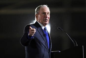 Tỷ phú Bloomberg dự kiến chi 100 triệu USD giúp ông Joe Biden đánh bại Tổng thống Donald Trump