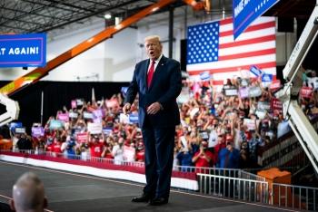 Người ủng hộ ông Donald Trump đòi
