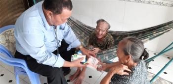 Truy tặng Huân chương Lao động cho 2 y bác sỹ tử vong vì chống dịch