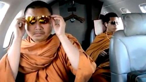 cuoc song xa hoa cua nha su an choi nhat thai lan va an tu 130 nam vi rua tien lam dung tinh duc