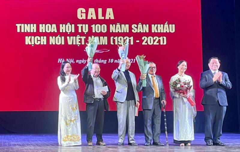 Tôn vinh các nghệ sĩ và đơn vị sân khấu kịch nói đóng góp xuất sắc