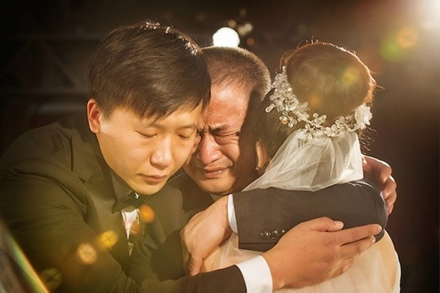 Nỗi lòng của hàng triệu ông bố khi con gái đi lấy chồng