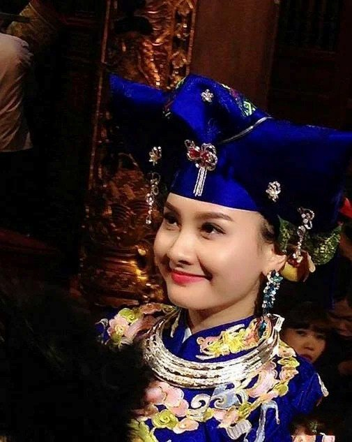hoai linh xuan hinh bao thanhhau dong lam nuc long khan gia