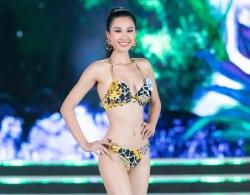 thi sinh hoa hau the gioi viet nam nong bong voi man trinh dien bikini