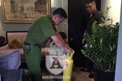 treo thong bao cam analog coffe lounge lai cong khai ban bong cuoi cho ca hoc sinh