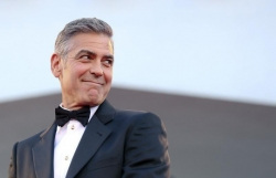 george clooney lo an nguy gia dinh khi vo chong is