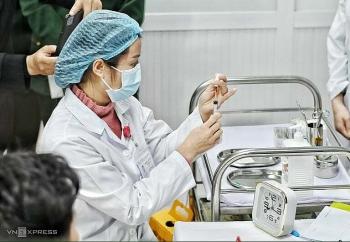 Bắt đầu tiêm mũi 2 vaccine Covid-19 Việt Nam