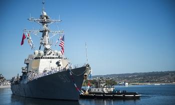 Hàng trăm lính Mỹ cách ly vì Covid-19 xâm nhập chiến hạm