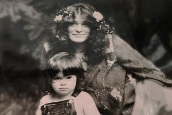 Cái chết bí ẩn của bà mẹ đơn thân