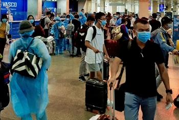 Chưa giảm tần suất bay tại Tân Sơn Nhất