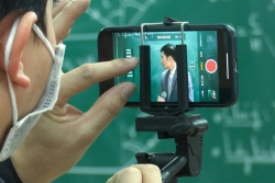 Trường đại học chi 400 triệu hỗ trợ sinh viên học online phòng COVID-19