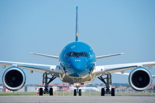 vietnam airlines tam dung khai thac duong bay toi phap va malaysia