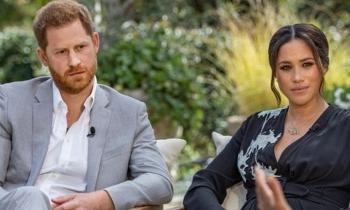 Nữ hoàng Anh lên tiếng về phỏng vấn Harry - Meghan